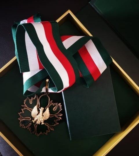 """Złoty Medal """"Zasłużony Kulturze Gloria Artis"""" dla prof. Violetty Bieleckiej"""
